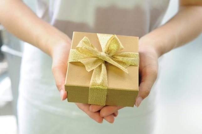 hands, gift